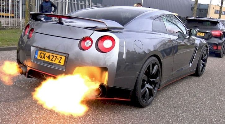 flames out exhaust pipe