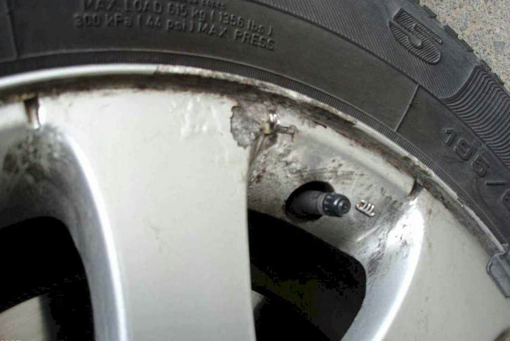 Remove Corrosion from Aluminum Wheels