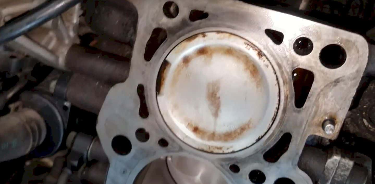 How to clean Pistons without Removing